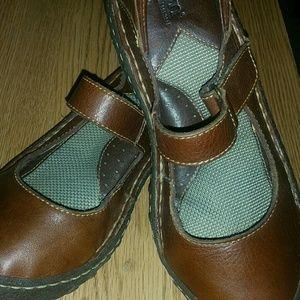 Born Mary Jane style leather shoes